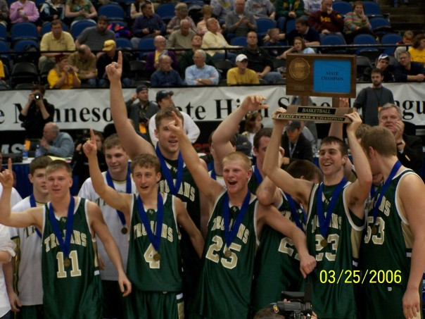 R-P celebrates winning the MSHSL Class A state title in 2006
