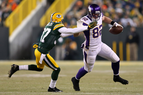 On and off field, Kyle Rudolph keeps giving value to Vikings