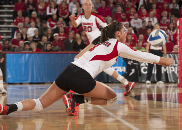 Wisconsin setter Lauren Carlini (1) dives for a ball during the Badgers first-round win over Western Michigan on at the UW Field House. PHOTO: Greg Anderson