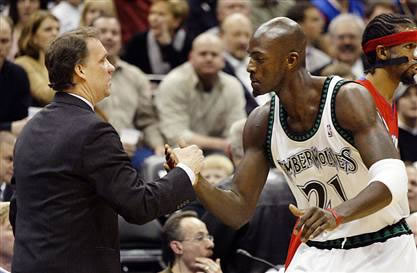 Garnett, Saunders trying to buy T-Wolves