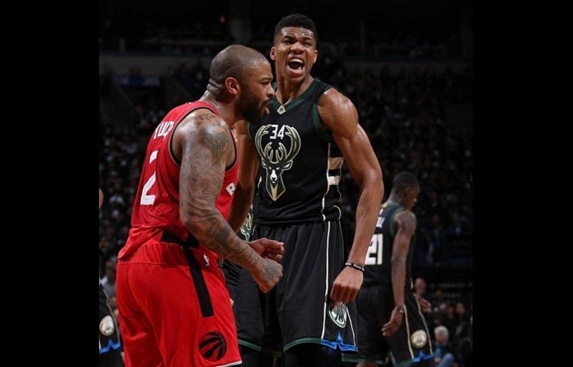 Bucks can't be stopped at Bradley Center, blowout Raptors