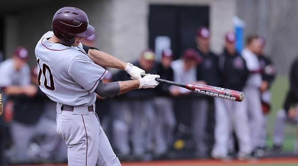 UW-L baseball moves on in NCAA regional