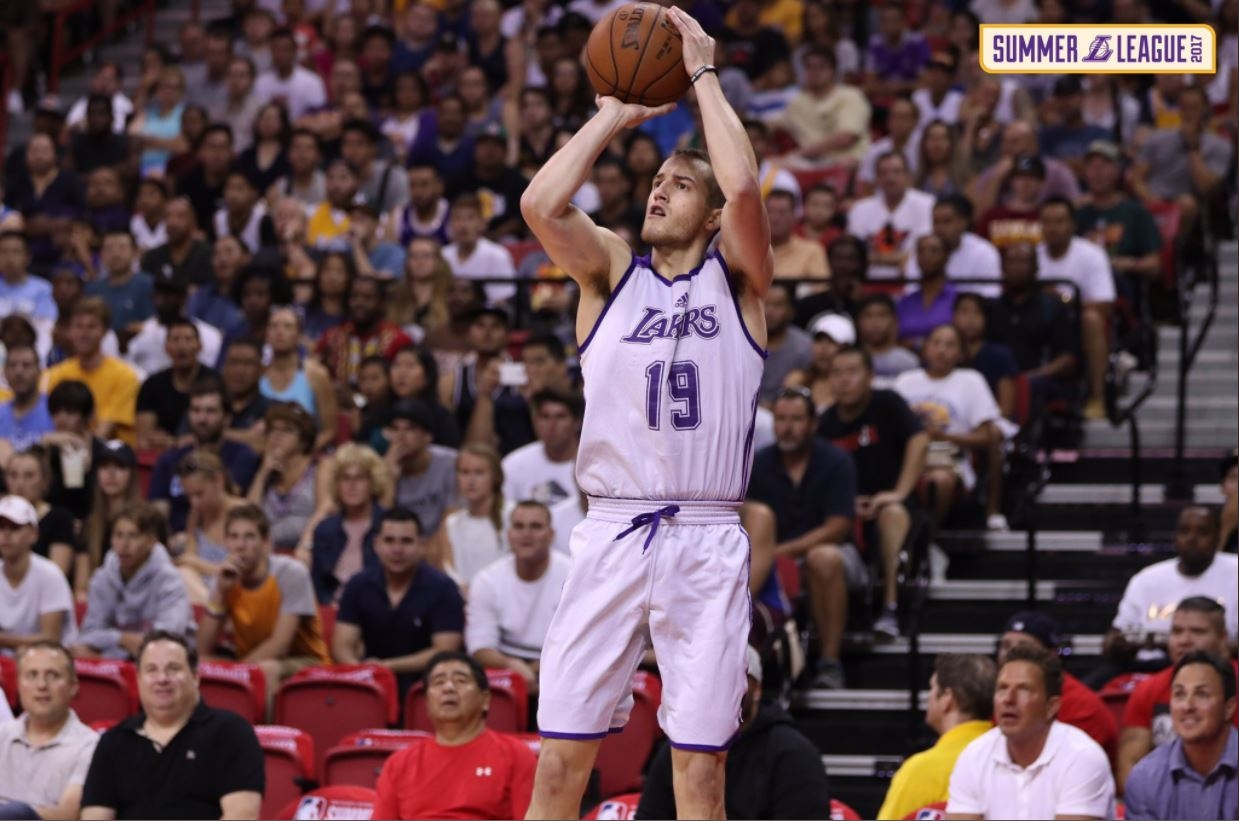 After incredible showing for Lakers, Onalaska's Matt Thomas headed overseas