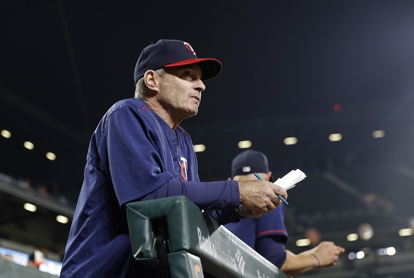 Molitor happy to put uncertainty behind him, stay with Twins