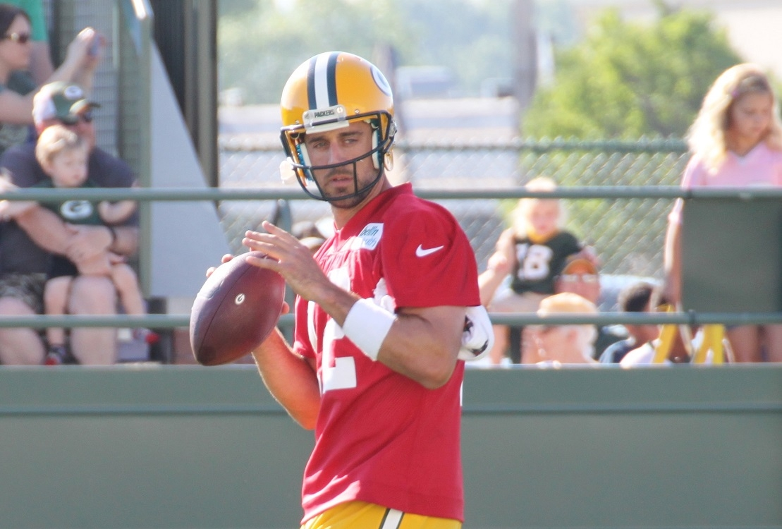Packers, Rodgers visit Cowboys as Prescott seeks 2016 magic