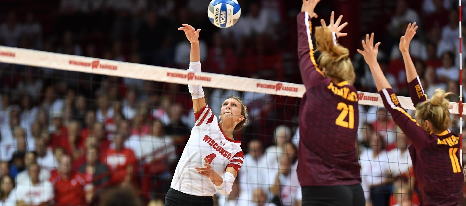 It took all 5, but Gophers beat Badgers in Top 10 volleyball matchup