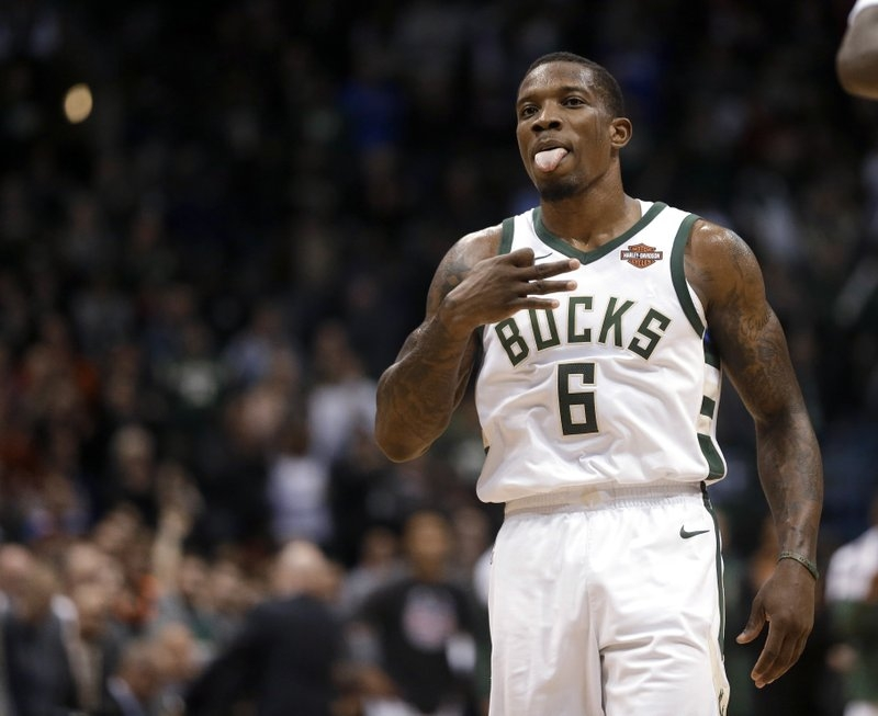Bucks snap Pistons' five-game win streak, now 4-0 with Bledsoe