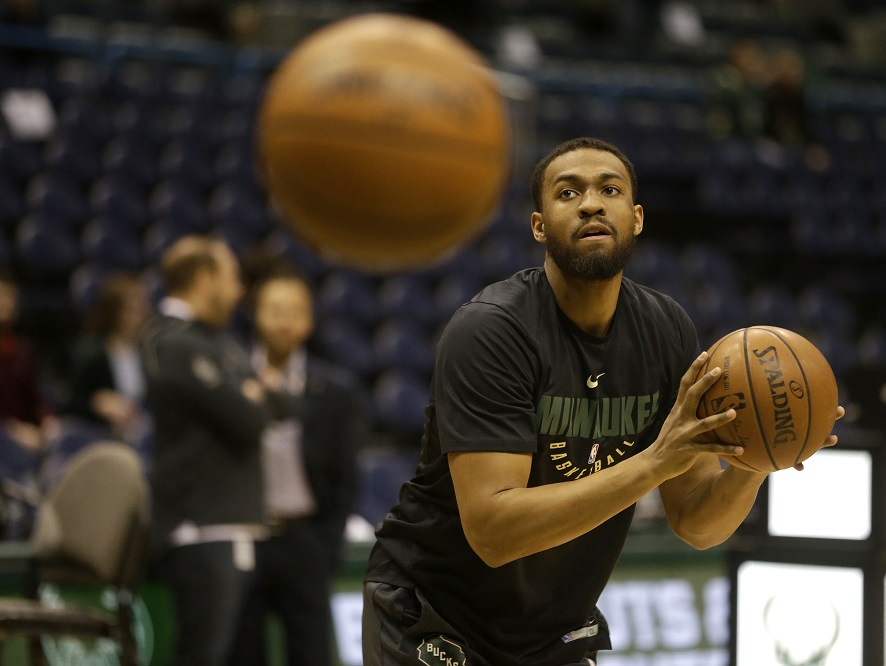 The Bucks need to trade for DeAndre Jordan now, even at the expense Jabari Parker.