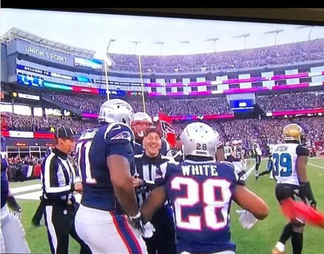 Watch Emboldened Nfl Refs Now Blatantly Celebrating Patriots Tds