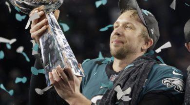 Eagles Foles Super Bowl Trophy AP