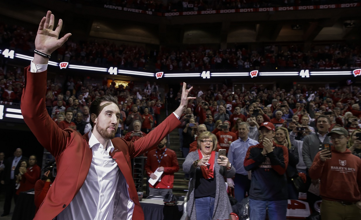 ALL THINGS FRANK: Kaminsky's 44 goes to the Wisconsin Badgers rafters