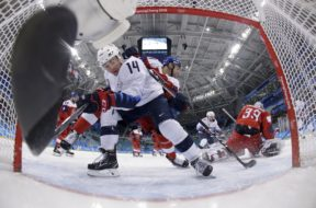 Olympics US Czeck Hockey AP