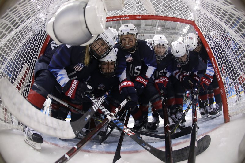 US women back looking for Olympic gold vs. archrival Canada
