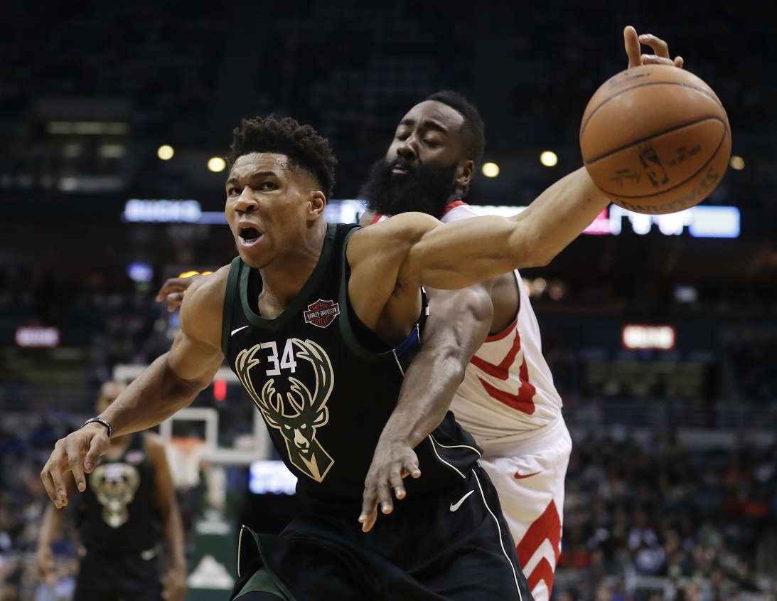 Bucks no match for long ball, Houston wins 17th straight