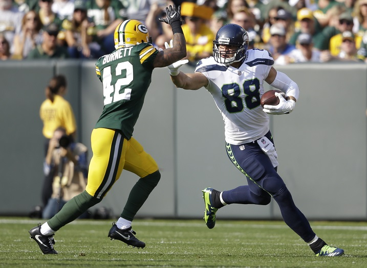 Packers looking at Jimmy Graham, wide receivers in free agency