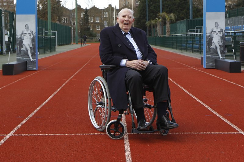 Roger Bannister, first to run sub 4-minute mile, dies at 88
