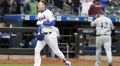 Mets Wilmer Flores AP