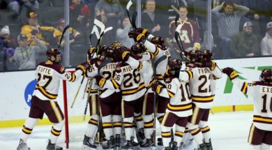 Minnesota Duluth Hockey AP