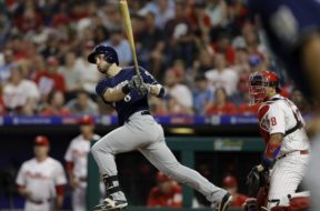 Brewers Braun HR swing AP