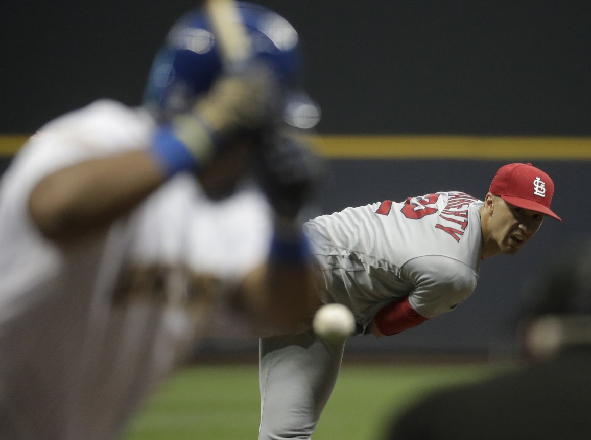 Molina's 2 homers boost Cardinals past Brewers