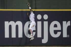 Brewers Keon Broxton catch AP