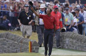 Tiger Woods wave AP