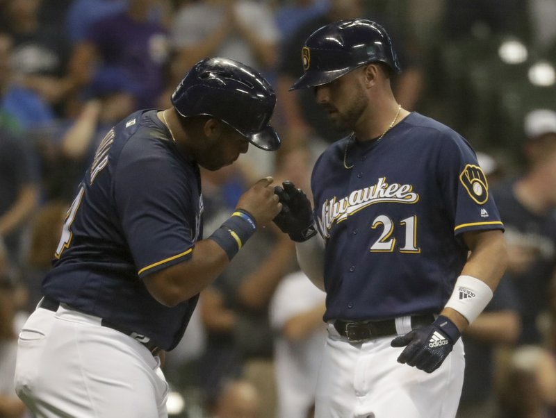 Shaw, Yelich hit homers as Brewers get past Reds