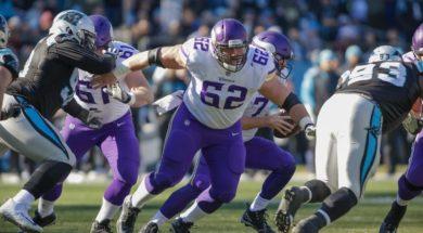 Vikings Nick Easton AP