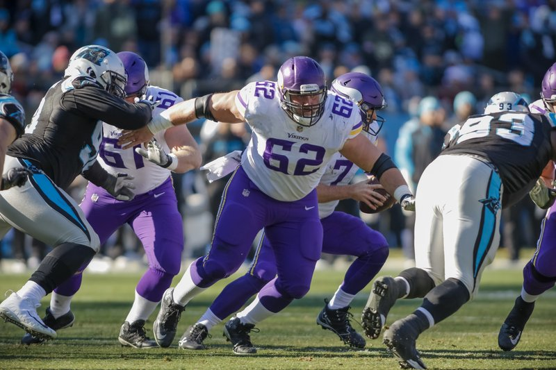 Vikings Nick Easton's neck injury likely ends season