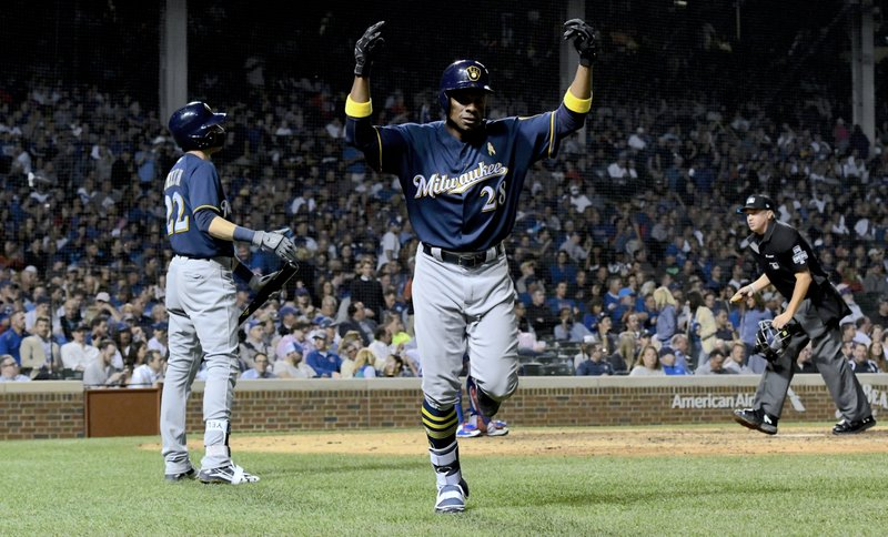 Granderson gives Brewers upbeat, veteran presence off bench