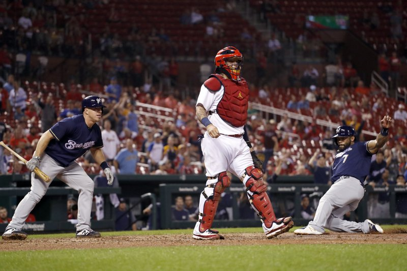 Brewers top Cardinals, open three-game lead for wildcard