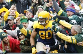 Packers Jimmy Graham leap AP