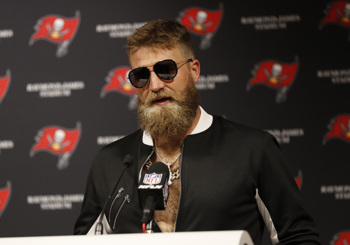 WATCH: Blinged out Ryan Fitzpatrick with hilarious post-game presser