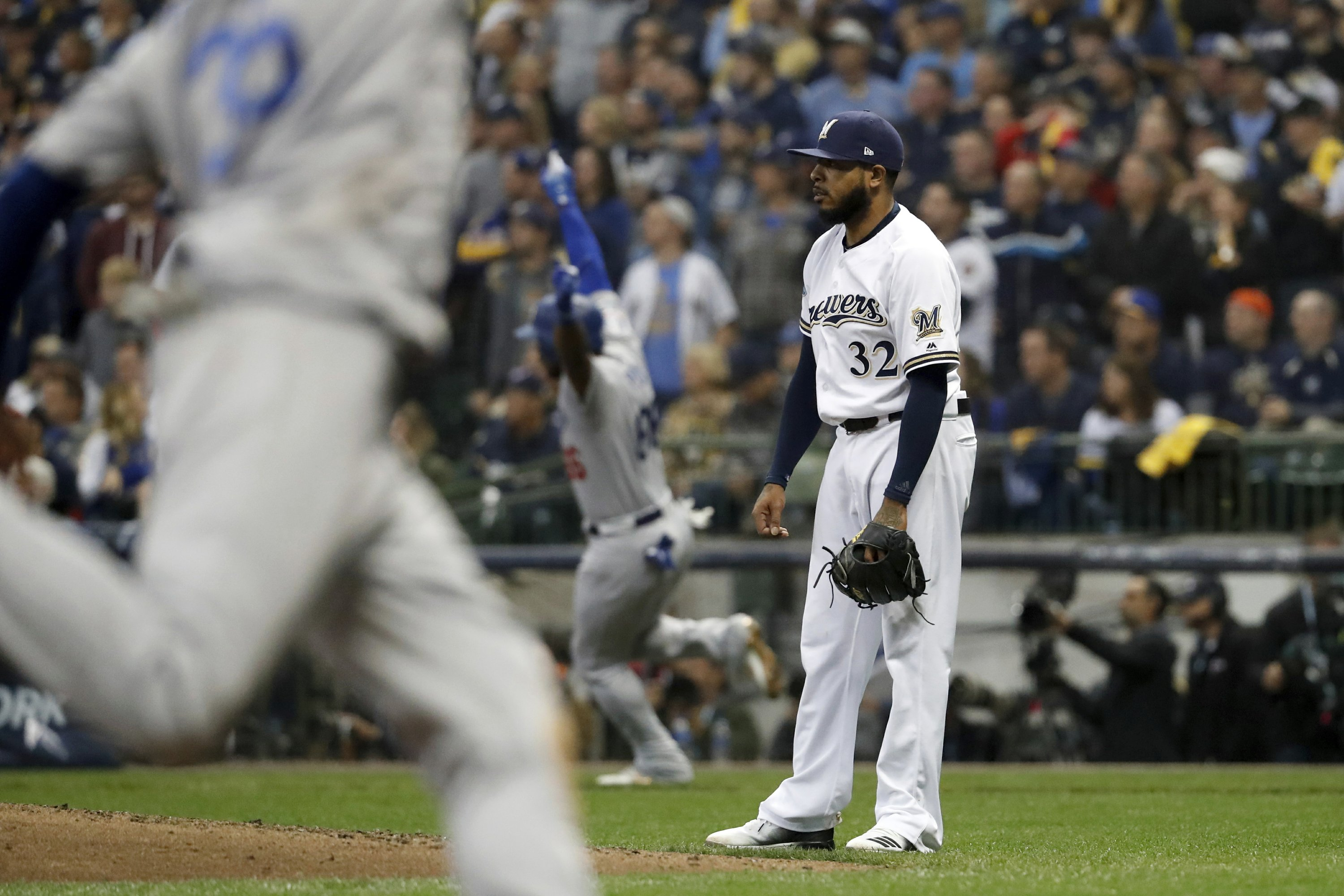 Brewers bullpen runs out of gas in Game 7 loss to Dodgers