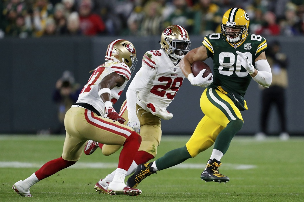 Flying and football fuel Packers tight end Jimmy Graham