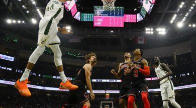 Bucks Giannis Antetokounmpo v Bulls AP
