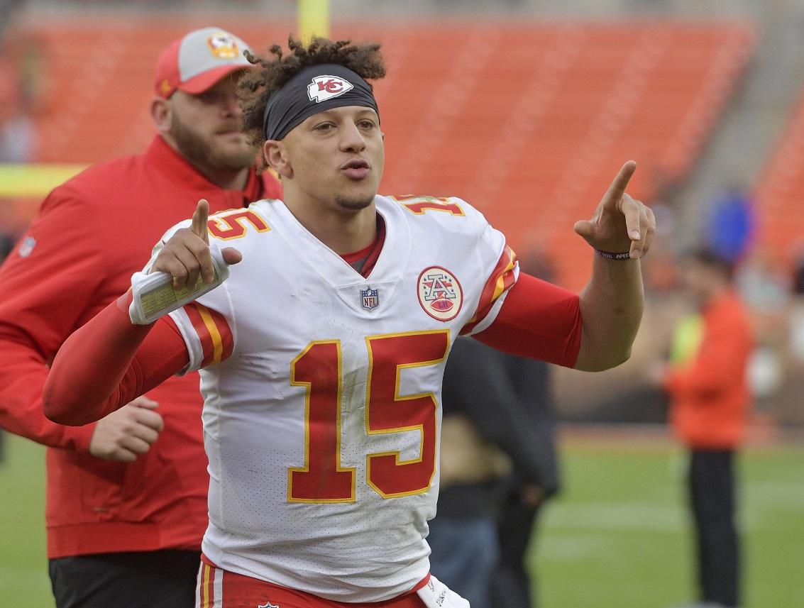 Chiefs, Rams and ESPN crew under huge Monday night spotlight