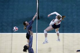 Viterbo volleyball Aubrey Aspen attack – Nate Beier
