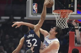 Wolves Towns Clips Boban AP