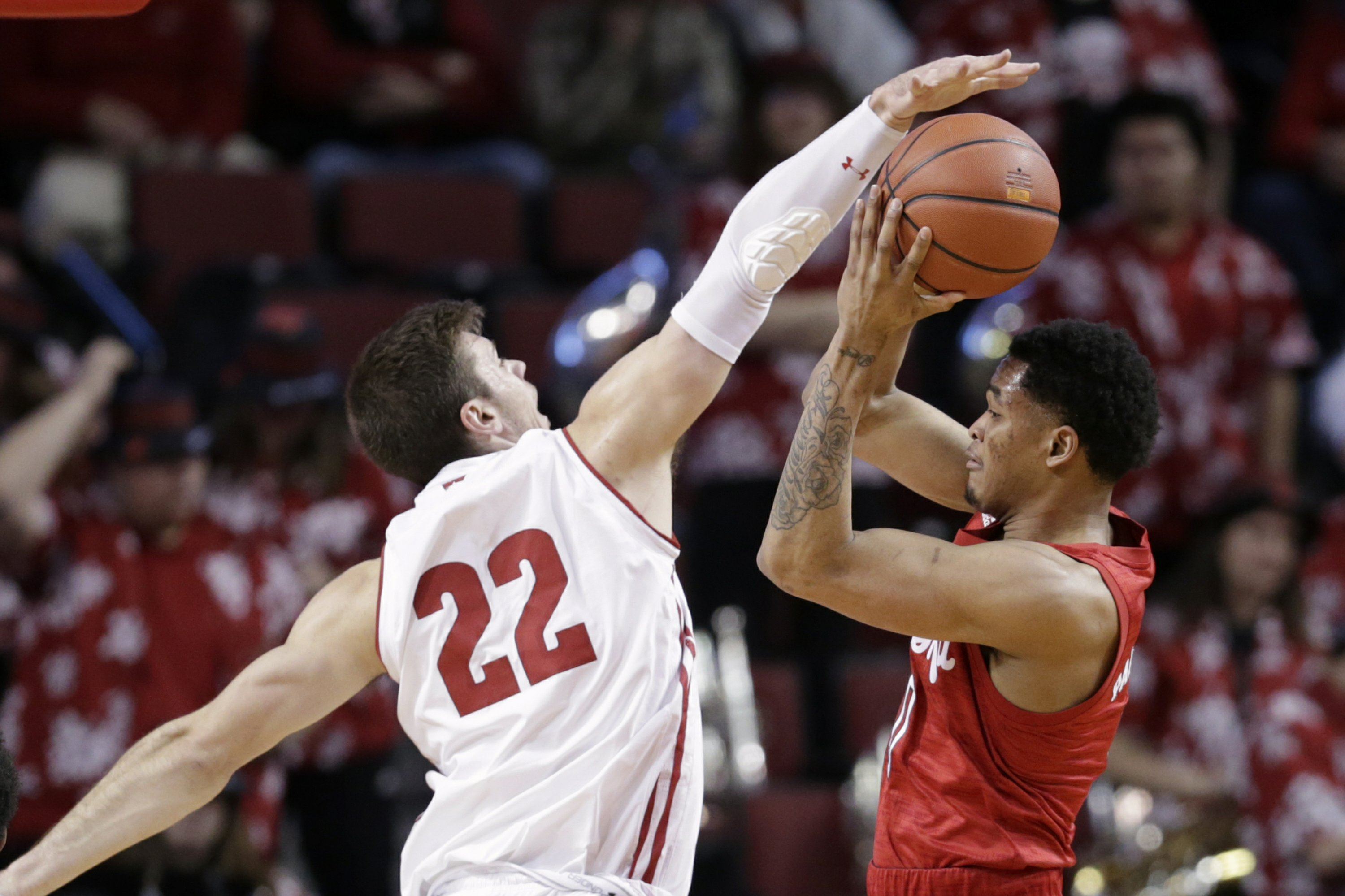 No. 24 Wisconsin wins its 4th consecutive, heading into rematch with Maryland