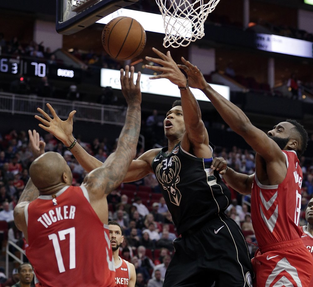 Antetokounmpo's 27p-21r leads Bucks over Rockets