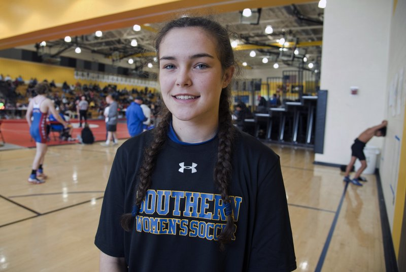 Southern's Ashley Knapp takes serious approach to wrestling
