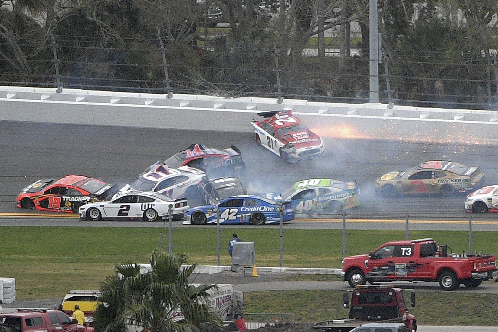 Johnson triggers wreck, then wins Clash at Daytona – WKTY
