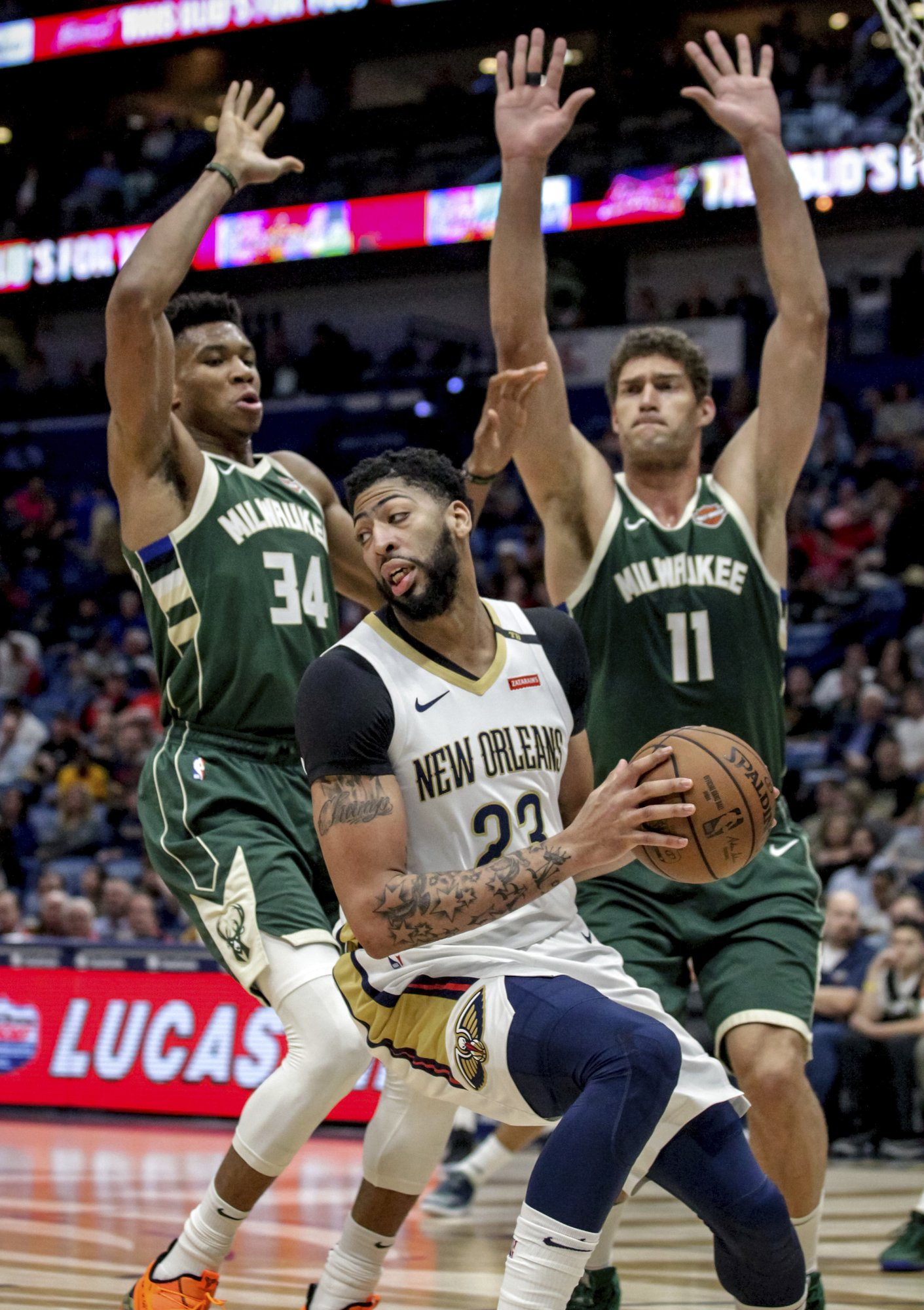 Bucks used big third quarter to pull away and beat Pelicans