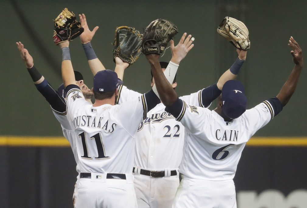 LEADING OFF: Fiers follows no-hitter, Brewers in Philly