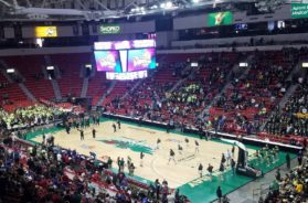 Girls basketball Resch Center State 2019