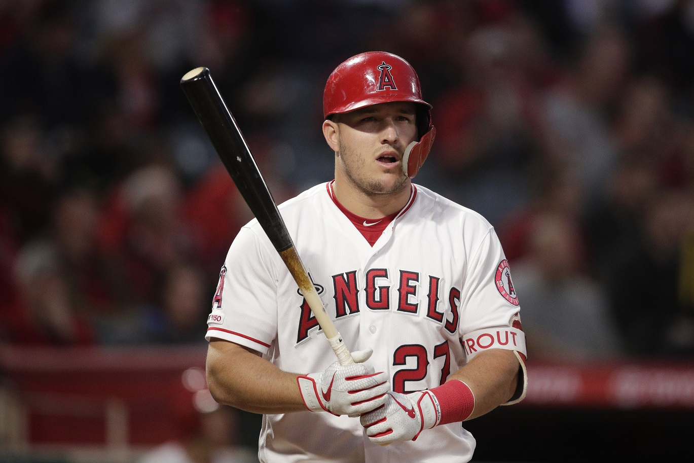 Trout could be out tonight, as Brewers wrap up series with Angels