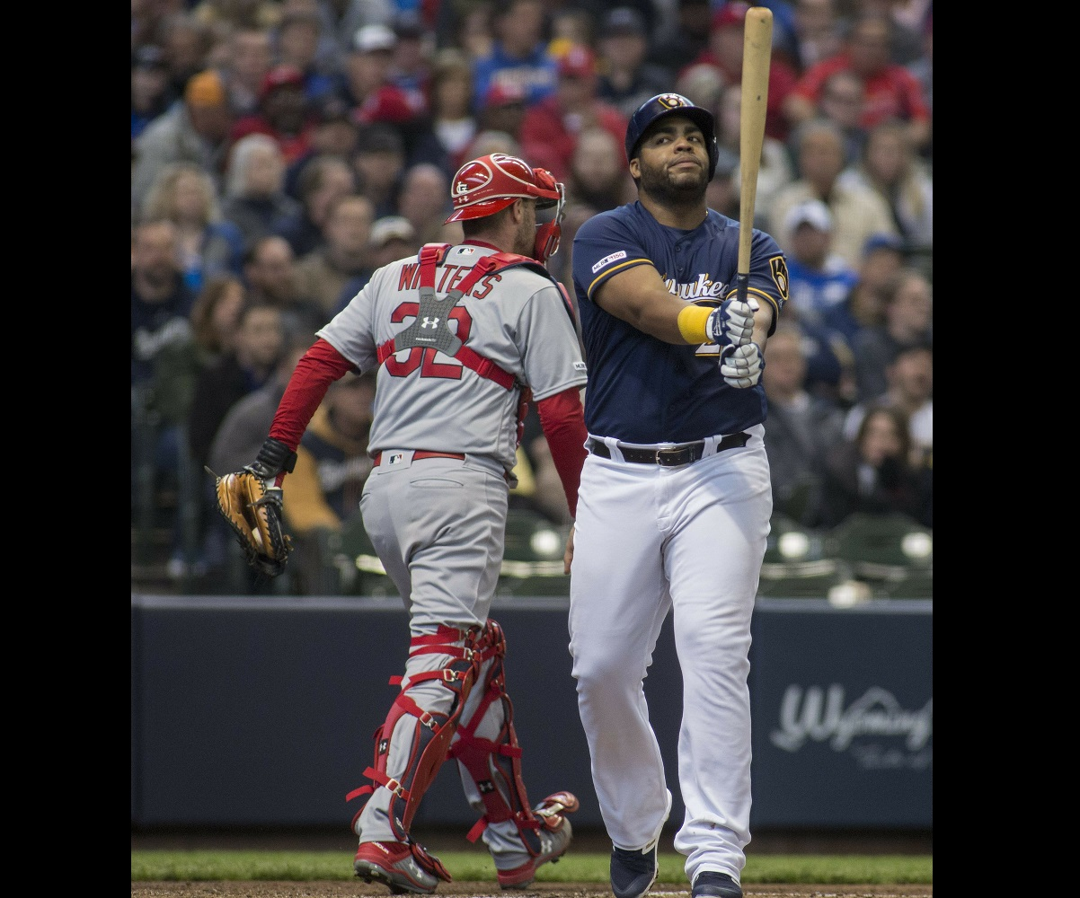 Cardinals face off against the Brewers in division play