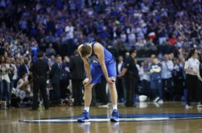 Dirk crying finale AP