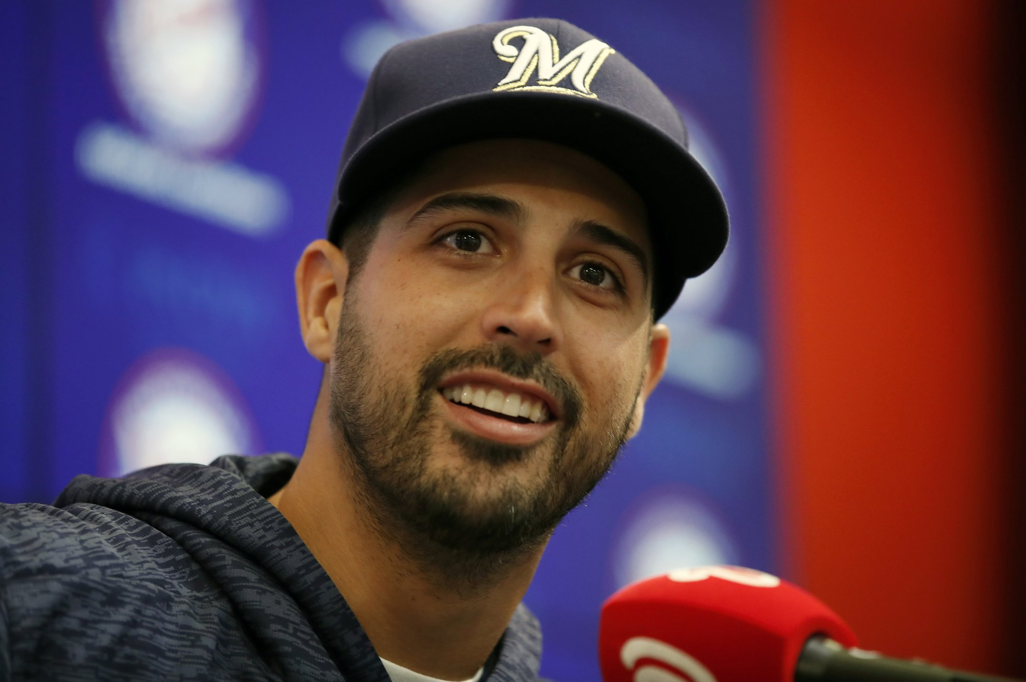 AP source: Gio González, Brewers agree to 1-year, $2M deal